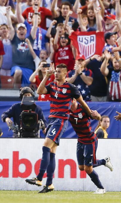 El Team USA le quitó el primer lugar del Grupo B a Panamá  AP_1719704612...
