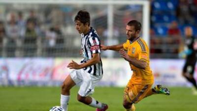 Rodolfo Pizarro y Emanuel Villa