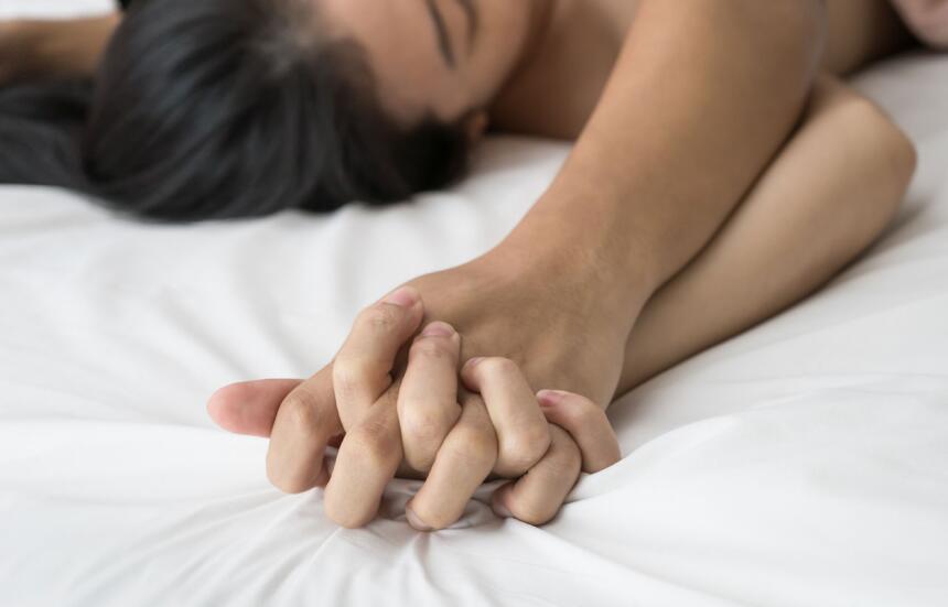 parejas en la cama - romance