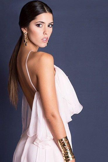 La verdad es que Paulina es una digna representante de la belleza latina.