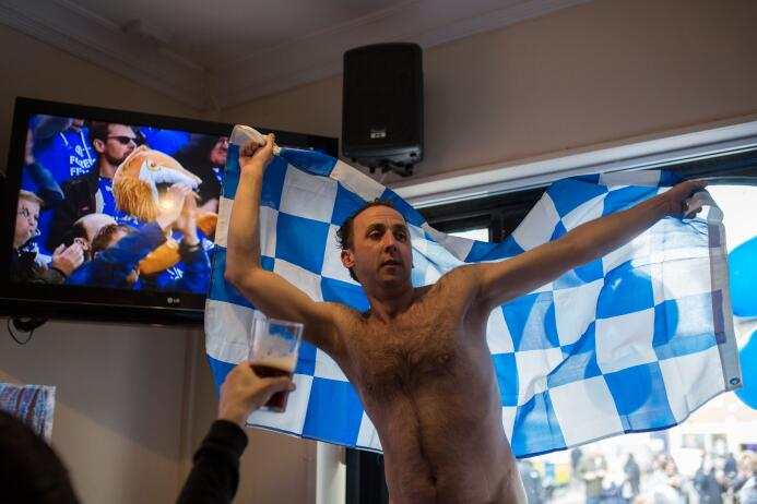 Los festejos habían comenzado un día antes luego del empate entre Manche...