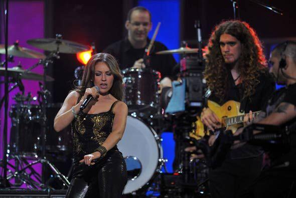 Thalía regresó a PLN por la puerta grande, ya que recibió el premio Jóve...