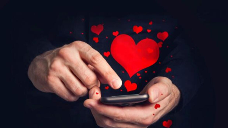 Internet y las redes sociales se usan cada vez más para encontrar pareja.