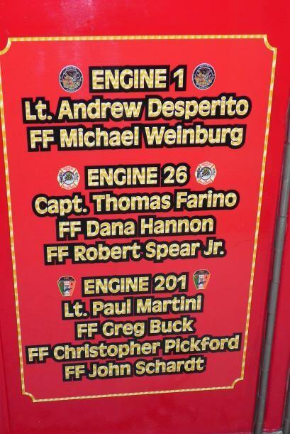 Carro bombero recuerda a sus caídos el 9/11 27f6127d4fb9498bbcd08b80385c...