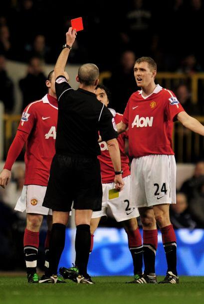 Manchester sufrió la expulsión del brasileño Rafael.