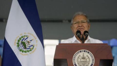 El presidente de El Salvador, Salvador Sánchez Cerén, reac...