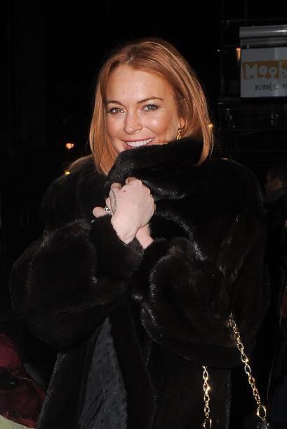 Lindsay Lohan salió a cenar durante una noche gélida en Londres. Mira aq...