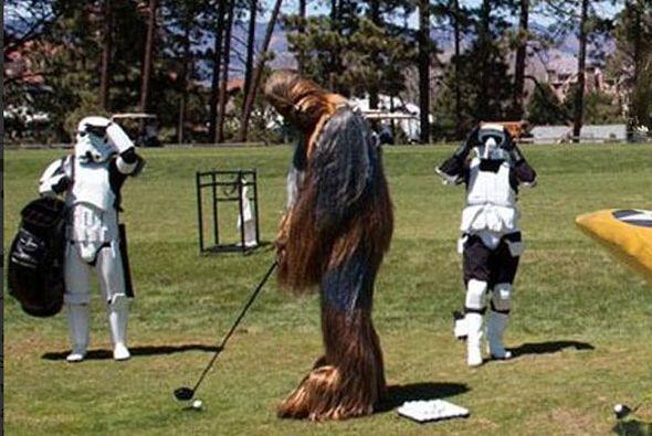 Quienes estaban jugando en el campo de golf.