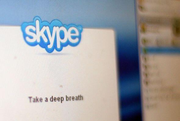 Con alrededor de 300 millones de usuarios activos, Skype, fundada por Ni...