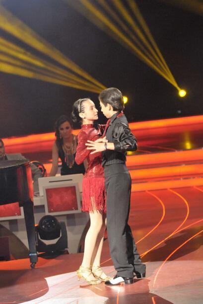 Con este tango la pareja logró poner romántico al foro de Pequeños Gigan...