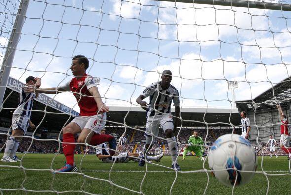 El defensa del Arsenal apareció para darle a los 'Gunners' un gol...