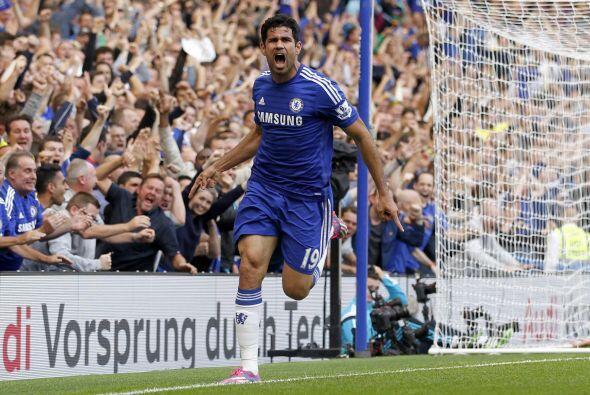 El naturalizado español del Chelsea, Diego Costa, se coloca en la tercer...