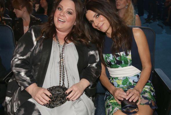 ¿Acaso sería para Melissa McCarthy y Sandra Bullock, convenientemente se...