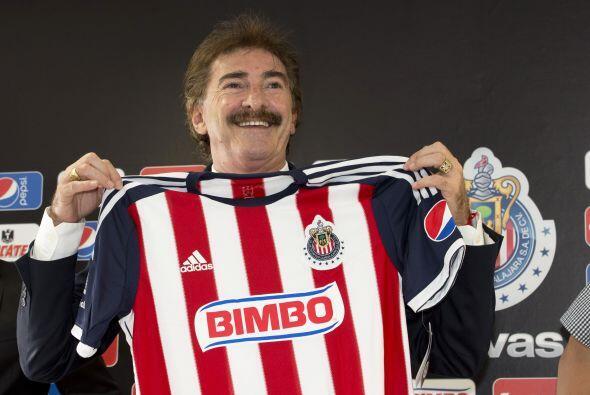 Luego de un corto periodo con José Luis Real llegaría el argentino Ricar...