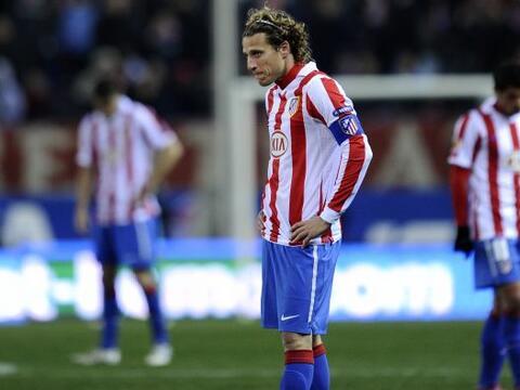 Atlético de Madrid sufrió una sorpresiva derrota que compl...
