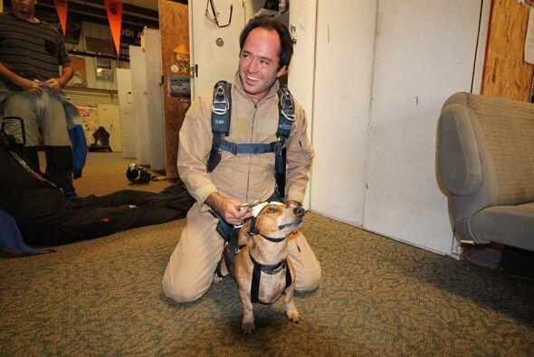 Definitivamente Nathan saltará de nuevo junto con su perro Riley.