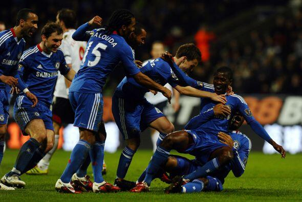 El defensa Ramires cerró la goleada del Chelsea.