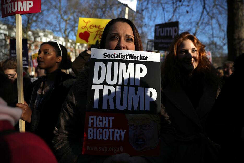 En Londres también se replicó la marcha de las mujeres que criticaron a...