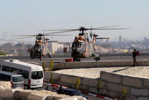 A bordo de un helicóptero militar jordano, Francisco llega a la c...