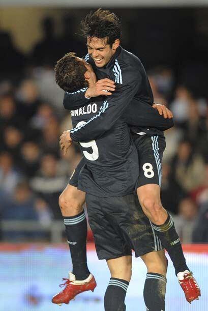 El Real Madrid ganó el partido y sigue esperando un tropiezo del Barcelona.