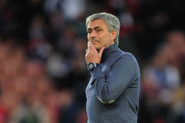 Un viejo madridista, José Mourinho, también estaba inmerso en los partid...