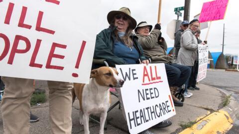 """""""Todos necesitamos servicios de salud"""": el mensaje de una mani..."""