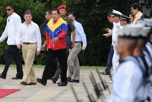 Santos pasa su cumpleaños 59 reunido con Chávez en busca de superar dife...