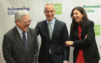 El fallecido alcalde de San Francisco, Ed Lee (izquierda); Rahm Emmanuel...