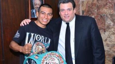 Robinson Castellanos recibió cinturón de campeón plata (Foto: CMB).