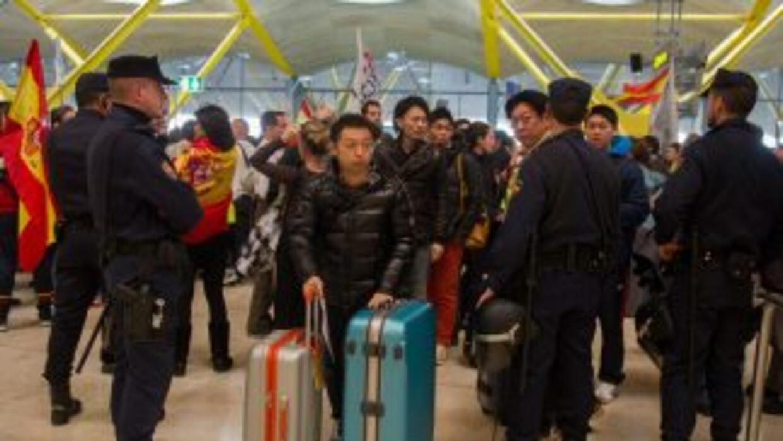 En el aeropuerto de Alicante, España, un bebé de cinco meses murió en la...