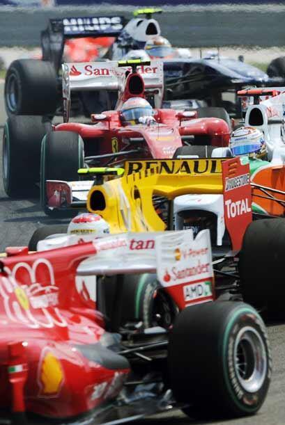 Fernando Alonso arrancó desde la posisión 12 con su Ferrari y nunca pudo...