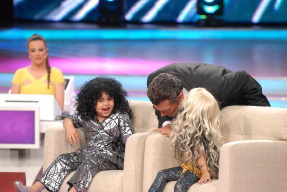 También apareció Shakira imitada por Nazli, quien le dijo unos secretos...