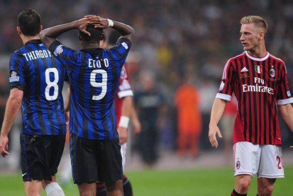 Milan alcanzó el empate mediante una jugada confusa. Ibrahimovic remató...