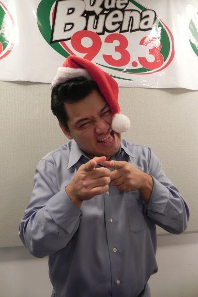 Ya llegó la navidad a La Qué Buena 93.3 y para sus djs es  época de armo...