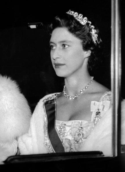 La misma tiara fue usada en los años 50 por la princesa Margaret,...