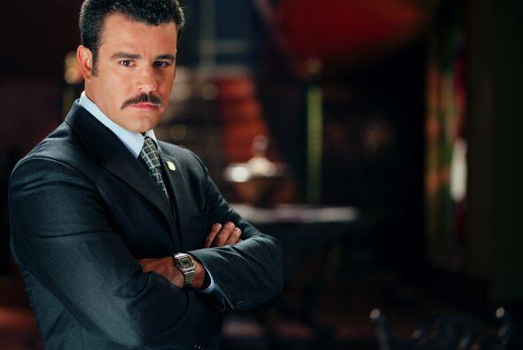 """""""Leonel"""", interpretado por Eduardo Capetillo, es el hijo de Patricia. Es..."""
