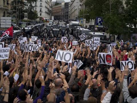 Miles de manifestantes se reunieron este martes en las inmediaciones del...