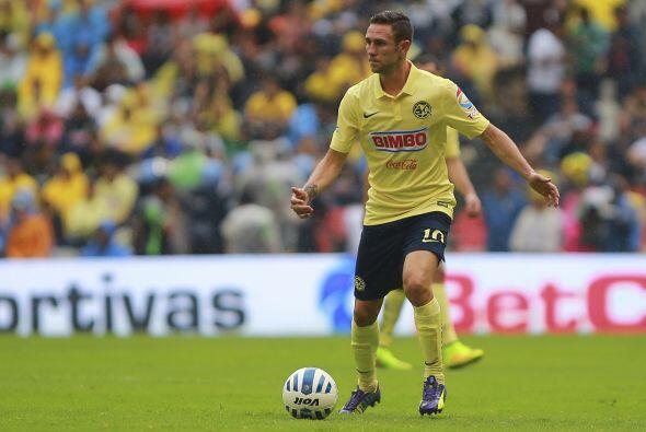 Fue en el Veracruz  con el que más tarde debutaría en el Clausura 2007 e...