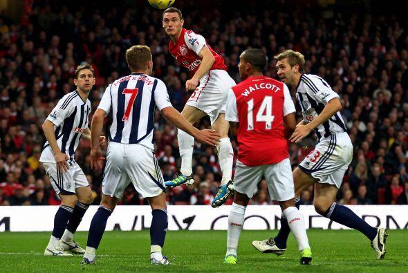 Vermaelen anotaría el segundo gol de la victoria del Arsenal.
