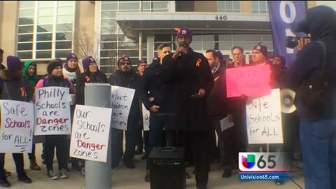 Protesta de trabajadores de mantenimiento escolar en Filadelfia
