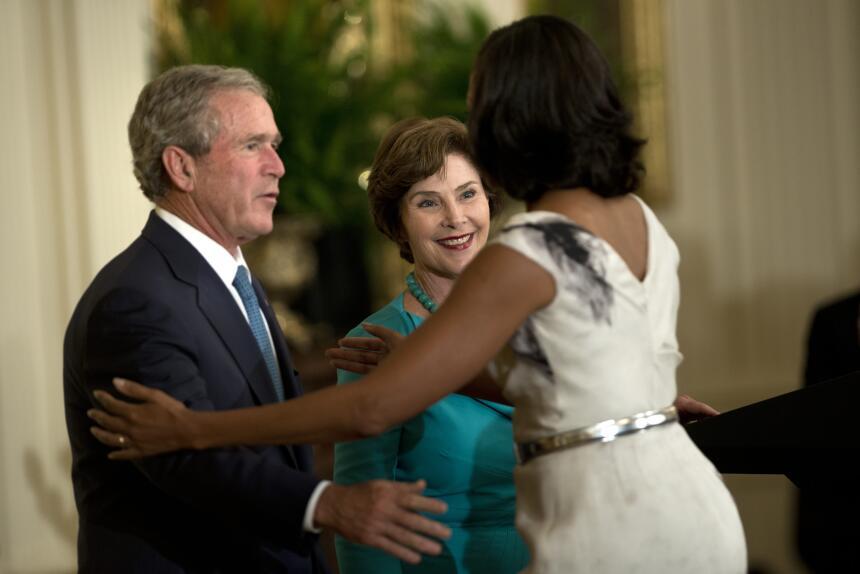 George W. Bush habla de su gran amiga... Michelle Obama GettyImages-1454...