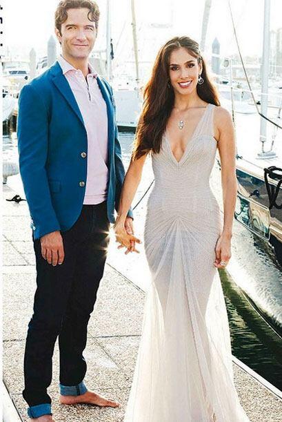 Sandra Echeverría y Leonardo de Lozanne dieron sus fotos a la revista Ho...
