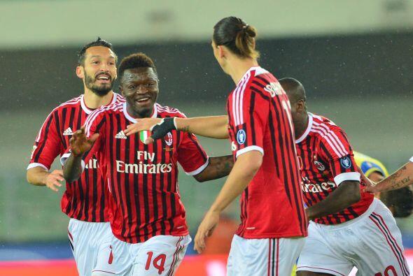 El gol de Sulley Muntari les bastó a los 'rossoneri', pero con el triunf...