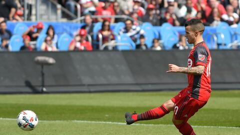 Sebastian Giovinco marcó un gol antes de salir lesionado del Toronto-Min...