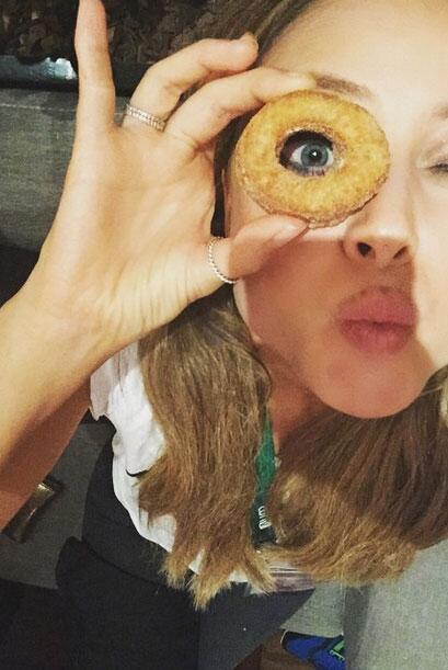 Vanessa Huppenkothen Show 7 Me Pongo de Pie