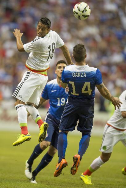 Gregory Garza mantuvo en cintura a Carlos Esquivel sin que el mexicano p...