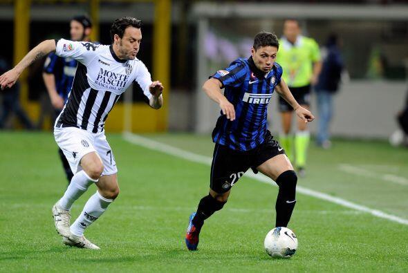 En otro partido de suma importancia en la jornada, el Inter de Milán rec...