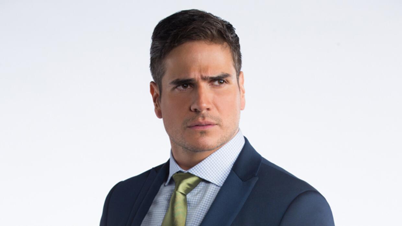 Daniel Arenas es Pablo Herminio Leal