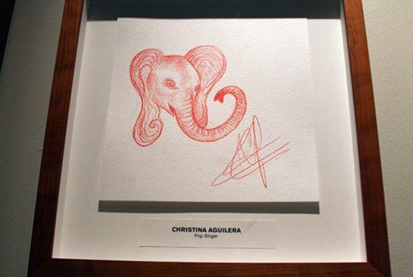 Este, por ejemplo, es el elefante que dibujó Christina Aguilera.   Da cl...