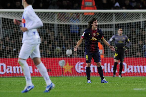 Carles Puyol, quien fue parte de los titulares, pedía a sus compañeros q...